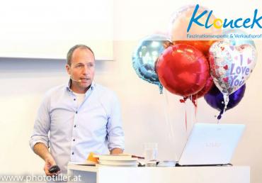 Buchpräsentation Unternehmensführung durch Faszination - Kloucek Verkaufsprof Faszinationsexpertei