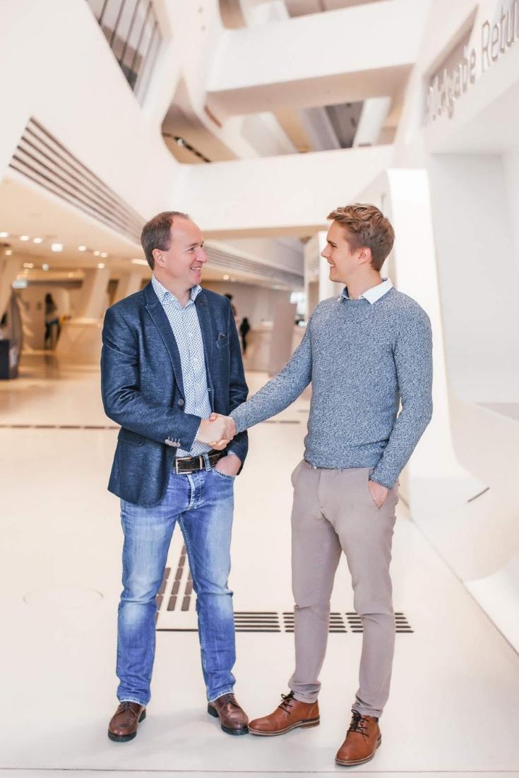Fabian Kereszfalvi Medienprofi in den sozialen Netzwerken. Bernhard Kloucek Verkaufsprofi